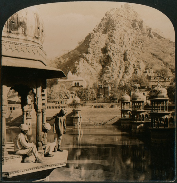 Rajasthan「Holy Tank of Alwar, surrounded with palaces and shrines, a scene of surpassing beauty, India, 190」:写真・画像(17)[壁紙.com]