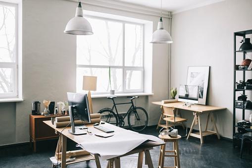 Small Office「Empty modern office space」:スマホ壁紙(19)