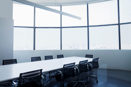 Meeting「Empty modern office with conference table」:スマホ壁紙(14)