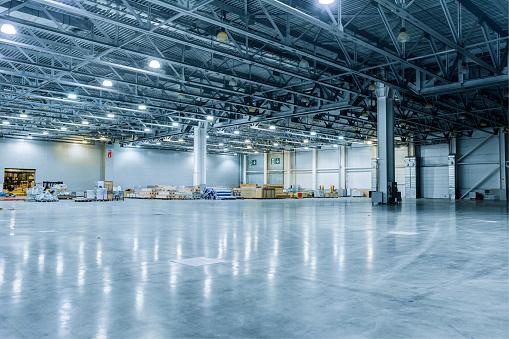 Construction Industry「Empty Modern Warehouse」:スマホ壁紙(15)