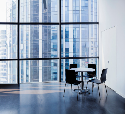 Skyscraper「Empty modern office with table and four chairs」:スマホ壁紙(14)