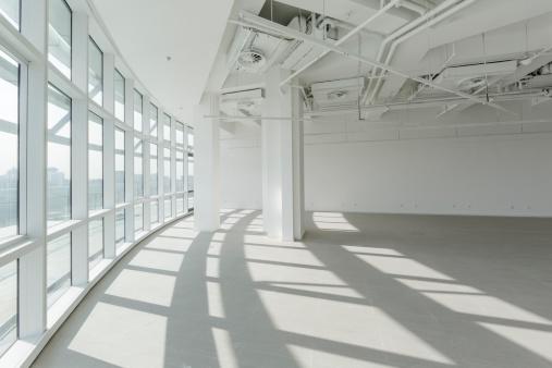 Open Plan「Empty modern office」:スマホ壁紙(16)