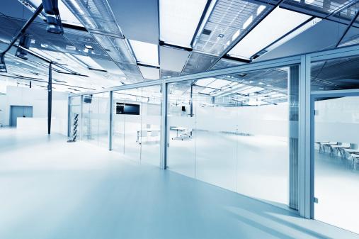 ガラス「空の現代的なオフィス」:スマホ壁紙(17)