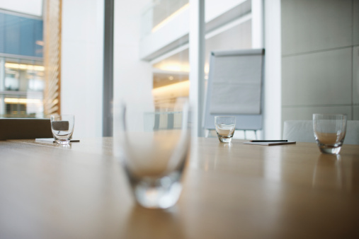 Focus On Background「Empty modern conference room in office」:スマホ壁紙(10)