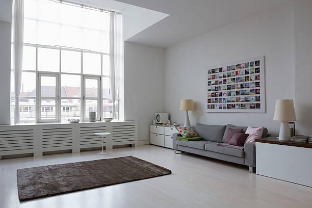 Empty modern living room:スマホ壁紙(壁紙.com)