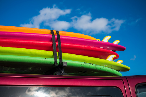 Atlantic Islands「Multicolor surfboards strapped to roof of car」:スマホ壁紙(7)