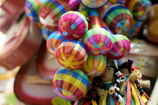 Doll「Multicolor maracas in shop in Guadalajara, Jalisco, Mexico」:スマホ壁紙(8)