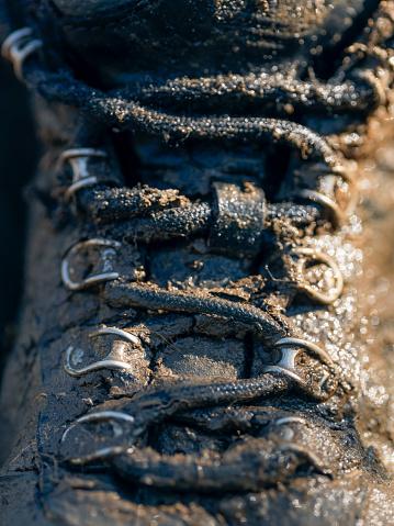 Lace - Fastener「wet muddy outdoor hiking boot」:スマホ壁紙(8)
