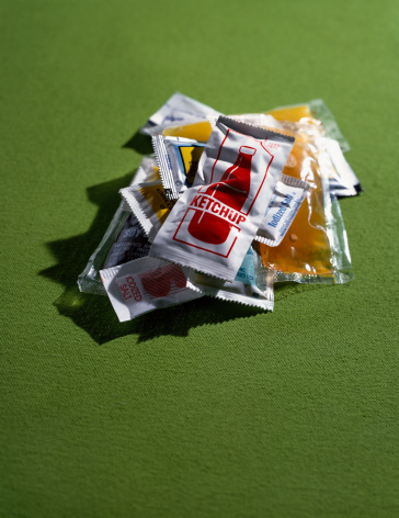 Green Background「Sauce sachets on green background」:スマホ壁紙(10)