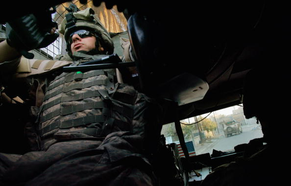 Daniel Gi「US Army Patrols in the Baghdad Sunni Neighborhood Adamiyah」:写真・画像(1)[壁紙.com]