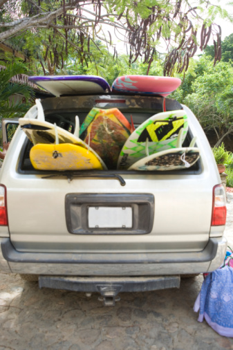 Sayulita「Surfboards in car boot」:スマホ壁紙(18)