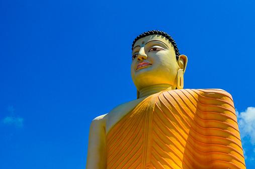 Sri Lanka「The gigantic Buddha Statue at Kande Viharaya」:スマホ壁紙(18)