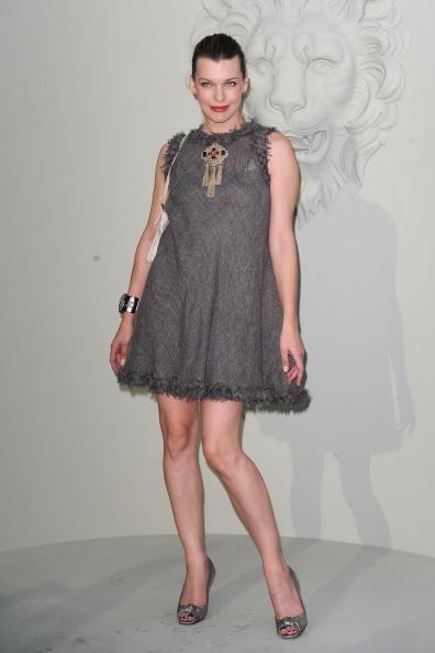 ミラ・ジョヴォヴィッチ「Chanel - Outside Arrivals - PFW Haute Couture F/W 2011」:写真・画像(17)[壁紙.com]