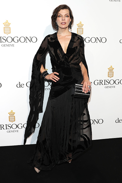 ミラ・ジョヴォヴィッチ「De Grisogono Party - Red Carpet Arrivals - The 69th Annual Cannes Film Festival」:写真・画像(15)[壁紙.com]