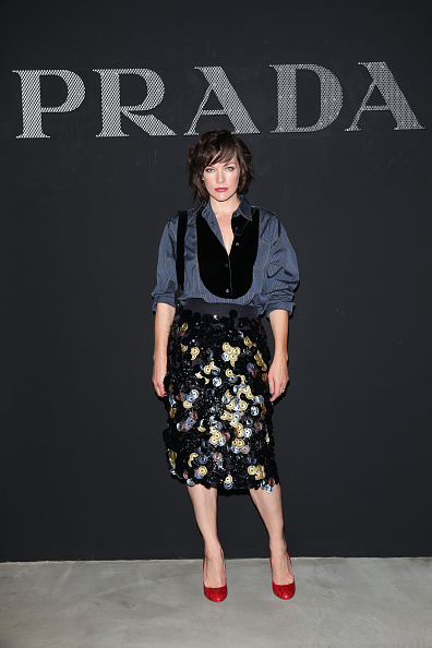 ミラ・ジョヴォヴィッチ「Prada - Front Row - Milan Men's Fashion Week SS17」:写真・画像(8)[壁紙.com]