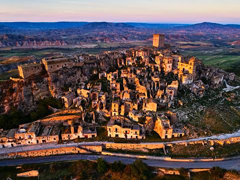 Ancient Civilization「Craco ghost town, Basilicata, Italy」:スマホ壁紙(6)