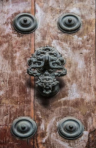 飾りつけ「Spain, Andalusia, Seville, Decorative door knocker」:スマホ壁紙(14)