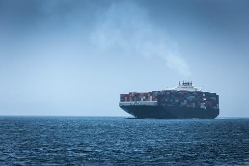 Cádiz「Spain, Andalusia, Tarifa, Cargo ship」:スマホ壁紙(18)