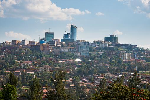 Crane - Construction Machinery「Rwanda, view to Kigali with skyscrapers」:スマホ壁紙(4)