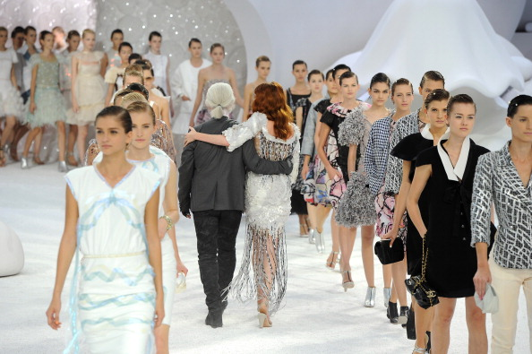 Fashion show「Chanel: Runway - Paris Fashion Week Spring / Summer 2012」:写真・画像(7)[壁紙.com]
