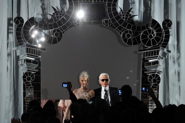 Pavillon Cambon Capucines「Chanel - Runway - Paris Fashion Week Haute Couture S/S 2011」:写真・画像(6)[壁紙.com]