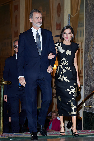 Black Color「Spanish Royals Attend 'Francisco Cerecedo' Awards 2019」:写真・画像(1)[壁紙.com]