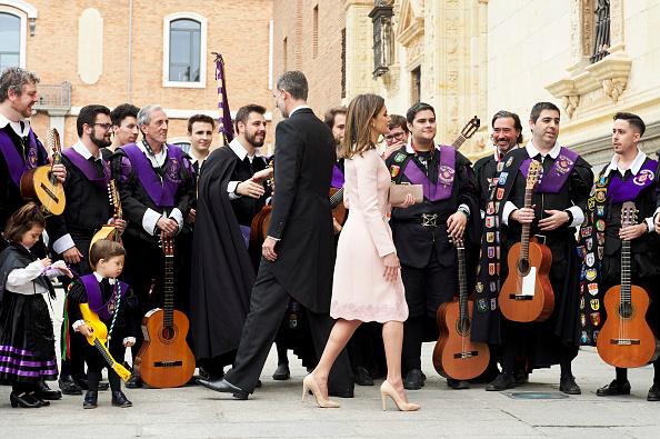 Attending「Spanish Royals Attend 'Miguel de Cervantes' Literature Awards」:写真・画像(6)[壁紙.com]