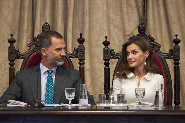 Felipe VI of Spain「Spanish Royals Open The University Course In Salamanca」:写真・画像(12)[壁紙.com]