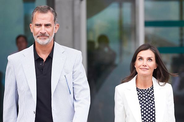 Felipe VI of Spain「Personalities Visit King Juan Carlos At Hospital」:写真・画像(7)[壁紙.com]