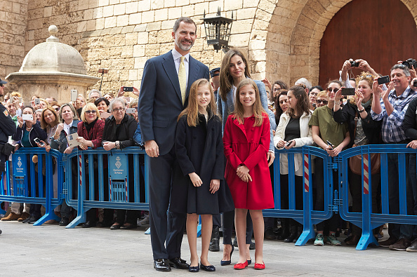 出席する「Spanish Royals Attends Easter Mass In Palma de Mallorca」:写真・画像(1)[壁紙.com]
