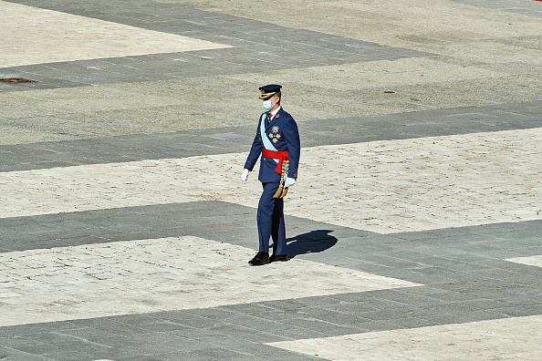 Spanish Royalty「Spanish Royals Attend The National Day Military Parade」:写真・画像(18)[壁紙.com]