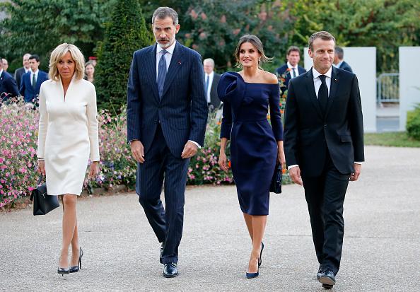 """Letizia of Spain「King Felipe Of Spain And Queen Letizia of Spain Attend The """"Miro, La Couleur Des Reves"""" Exhibition At Grand Palais in Paris」:写真・画像(14)[壁紙.com]"""