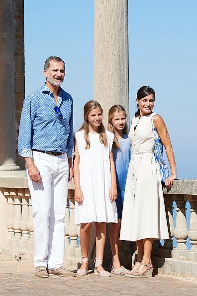 Spanish Royalty「Spanish Royals Visit 'Son Marroig' Museum」:写真・画像(15)[壁紙.com]