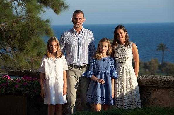 Spanish Royalty「Spanish Royals Summer Photocall In Palma de Mallorca」:写真・画像(8)[壁紙.com]
