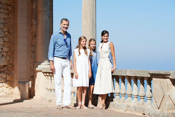 Spanish Royalty「Spanish Royals Visit 'Son Marroig' Museum」:写真・画像(19)[壁紙.com]