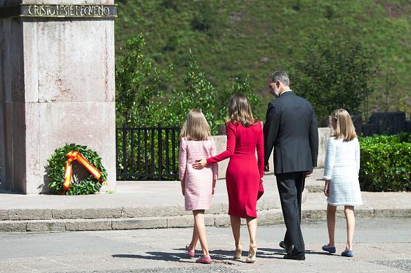 バシリカ「Spanish Royals Attend 13th Centenary Of The Reign Of Asturias」:写真・画像(12)[壁紙.com]