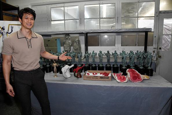Pouring「The 25th Annual Screen Actors Guild Awards - Pouring Of Actor Statuette」:写真・画像(10)[壁紙.com]