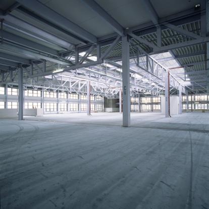 ������「Empty new factory hall」:スマホ壁紙(1)