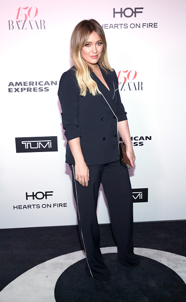 Hilary Duff「Harper's BAZAAR celebrates 150 Most Fashionable Women at Sunset Tower presented by TUMI in partnership with American Express, La Perla and Hearts On Fire」:写真・画像(17)[壁紙.com]