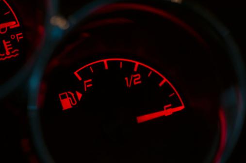 Car「Gas gauge in a car」:スマホ壁紙(6)