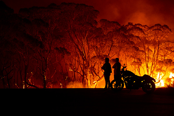 Flame「Evacuation Notices Issued Across NSW As Firefighters Prepare For Dangerous Bushfire Conditions」:写真・画像(3)[壁紙.com]