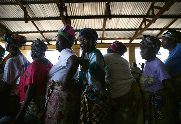 In A Row「Residents Of Quarantined Town Near International Airport Endure Ebola Epidemic」:写真・画像(12)[壁紙.com]