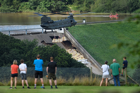 Whaley Bridge「Town Of Whaley Bridge Evacuated After Dam Collapse」:写真・画像(0)[壁紙.com]