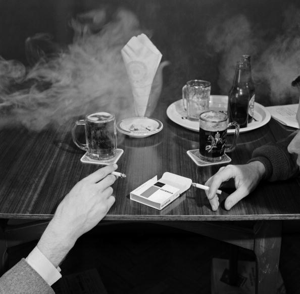 Cigarette「Cigarettes And Beer」:写真・画像(1)[壁紙.com]