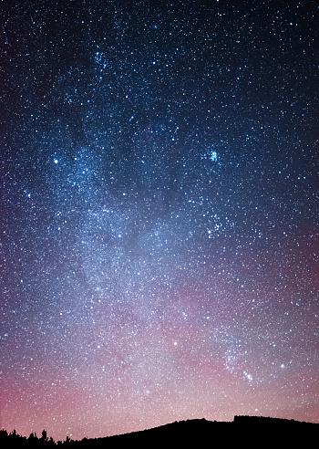 Galaxy「Night sky over the forest」:スマホ壁紙(11)