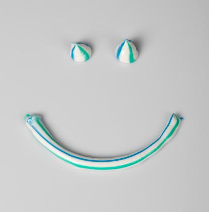 Toothpaste Tube「Smile」:スマホ壁紙(8)