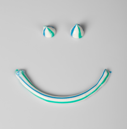 Anthropomorphic Smiley Face「Smile」:スマホ壁紙(3)