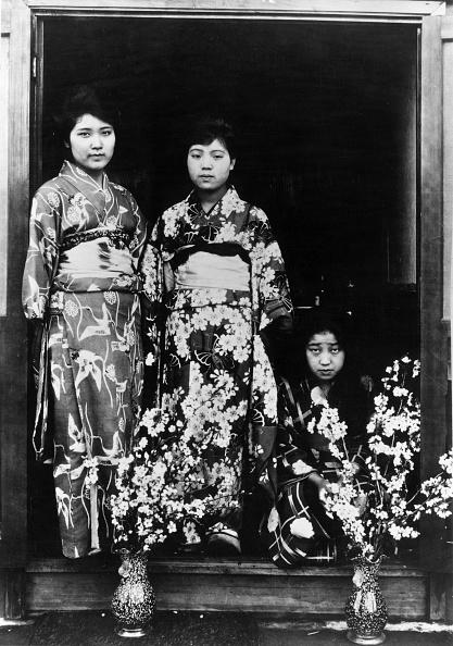 Spencer Arnold Collection「Geisha」:写真・画像(2)[壁紙.com]