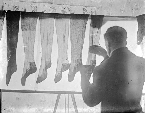 Hosiery「Silk Stockings」:写真・画像(2)[壁紙.com]
