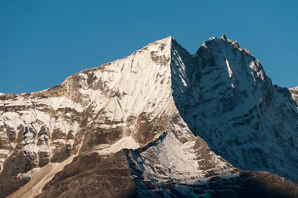 View of Kantega massif:スマホ壁紙(壁紙.com)